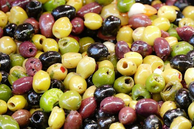 olives-2251260_640